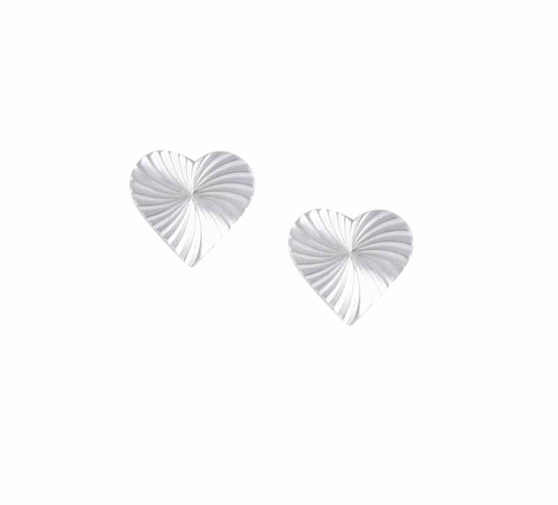 Fan Pattern Heart Stud Earrings