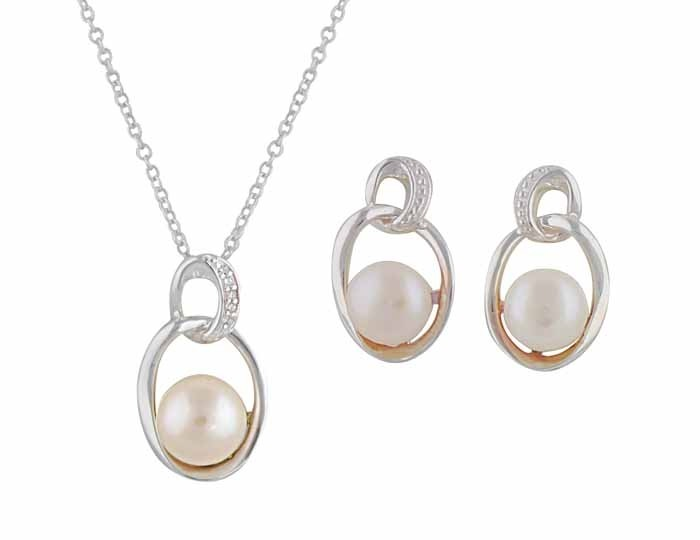 Linked Oval Freshwater Pearl Silver Pendant and Earrings Jewellery Set