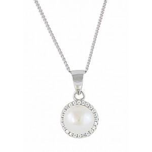 Classic Freshwater Pearl Pendant Necklace